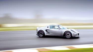 Lotus Elise S2 Sport 190 drifting on track