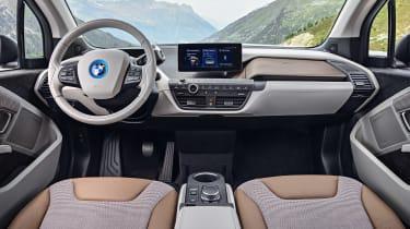 i3 blue - interior