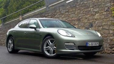 Porsche Panamera V6 front static