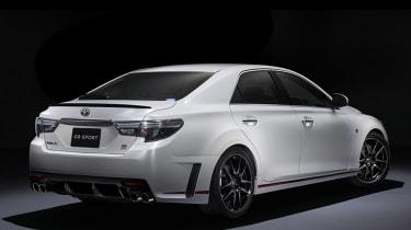 Toyota Mark X - rear