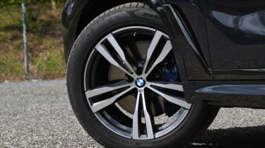 BMW X7 review - wheels