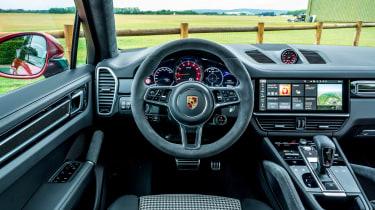 Porsche Cayenne Coupe GTS – dash