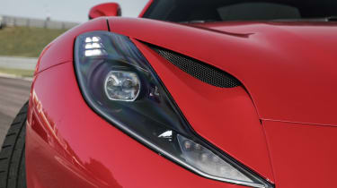 Ferrari 812 Superfast – headlights