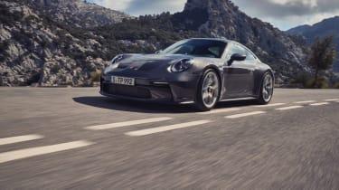 Porsche 911 GT3 Touring – front quarter