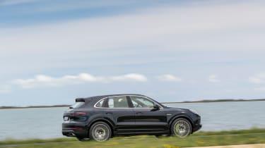 Porsche Cayenne E-Hybrid – side