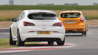 2012 Ford Focus ST vs Vauxhall Astra VXR video