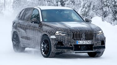BMW X5 M spies – front quarter