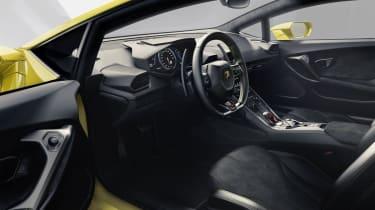 Lamborghini Huracan LP610-4 interior steering wheel