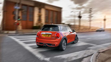 Mini Cooper facelift - rear city