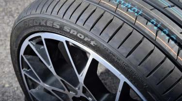 evo 2018 tyre test - closeup