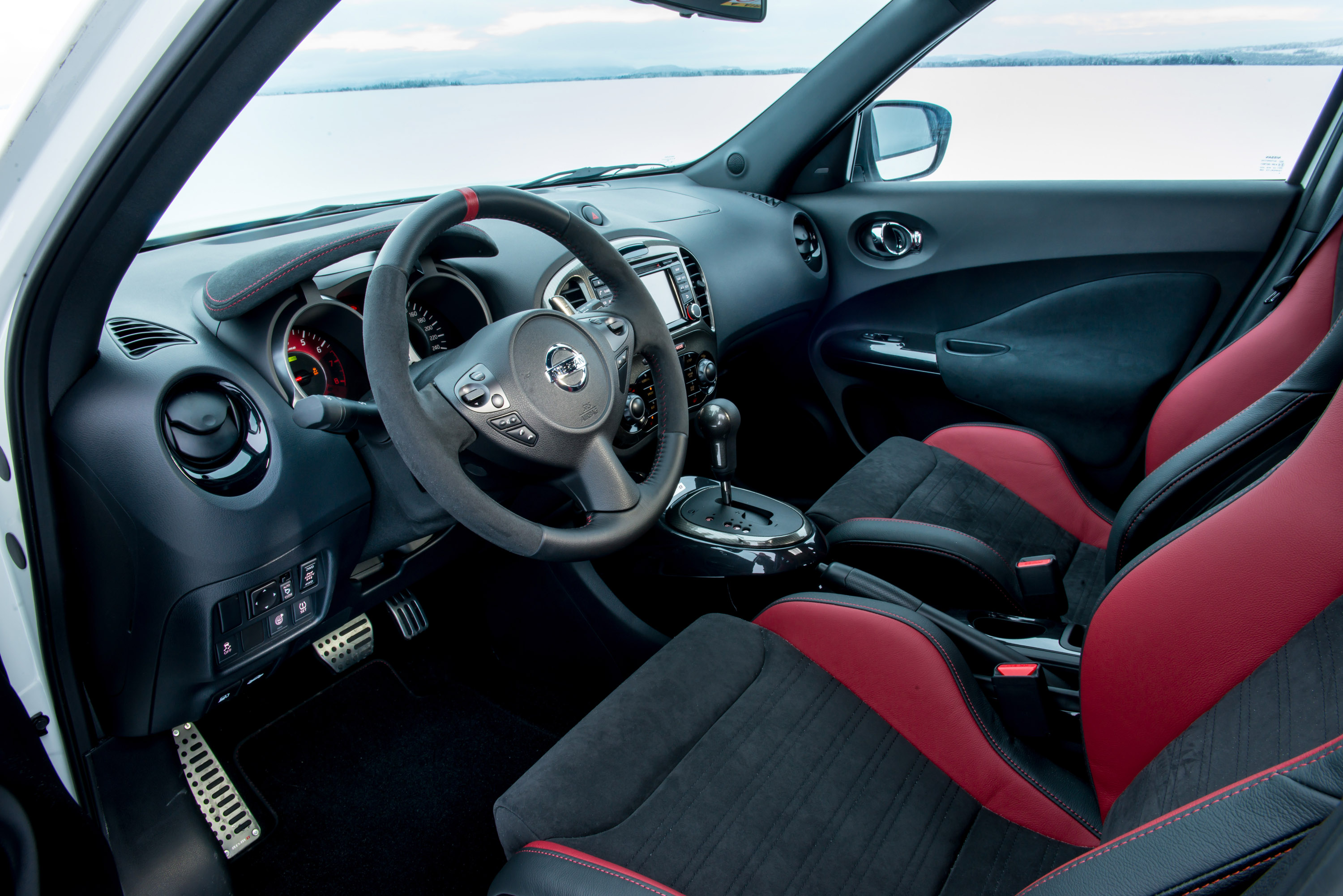 Incredible Nissan Juke Nismo Rs Review Price And Specs Evo Caraccident5 Cool Chair Designs And Ideas Caraccident5Info