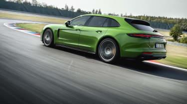 2018 Porsche Panamera GTS sport turismo