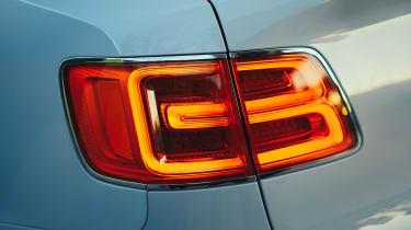 Bentley Bentayga PHEV - lights