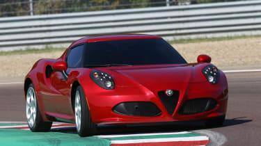 Alfa Romeo 4C red front