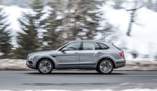 Bentley Bentayga V8 – side