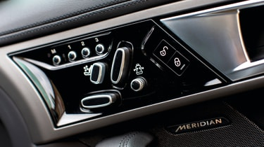 2013 Jaguar F-type V6 electric seat controls