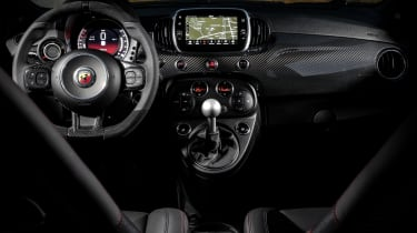 Abarth 595 Esseesse interior