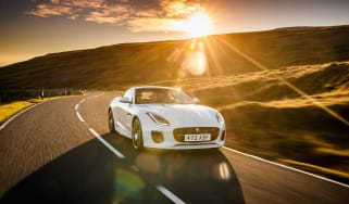 Jaguar F-Type Chequered Flag edition - nose