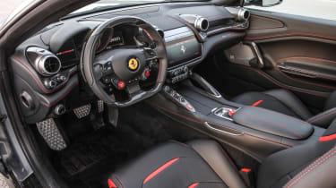 Ferrari GTC4 Lusso T - interior