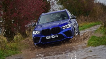 BMW X5M Competition - off-road