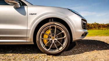 Porsche Cayenne Coupe Turbo S e-hybrid – wheel