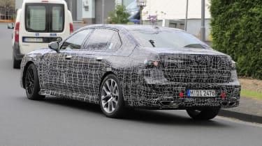 Next generation BMW 7-series spied – rear quarter