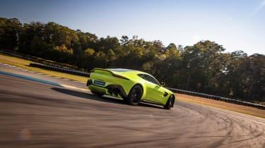 Aston Martin Vantage - green dynamic rear tracking