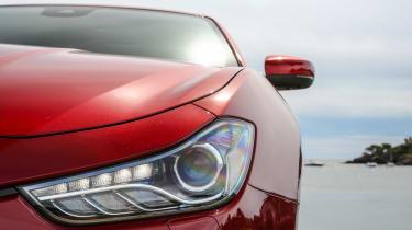 Maserati Ghibli 2016 - headlight detail