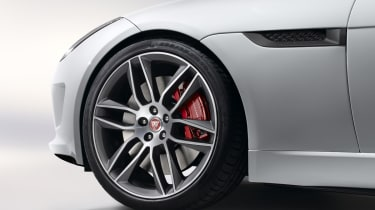 Jaguar F-type R Coupe brakes and alloy wheel
