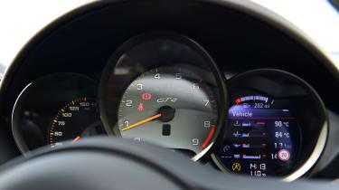 Porsche 718 Cayman GT4 dials