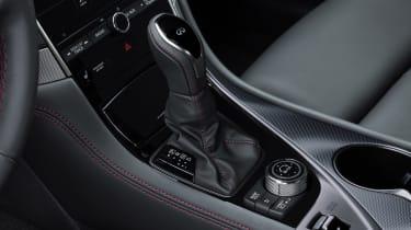 Infiniti Q50 - gear shift