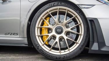 Porsche 911 GT2 RS - 991.2 wheel