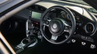 GT86 v MX-5 RF - GT86 interior