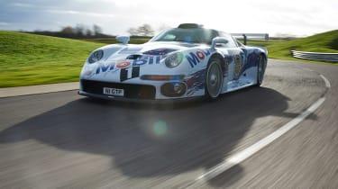 Porsche 911 GT1 - front