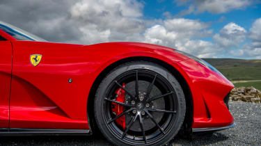 Ferrari 812 Superfast wheel