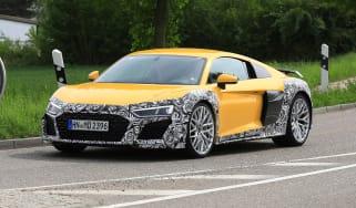 Audi R8 facelift - front quarter