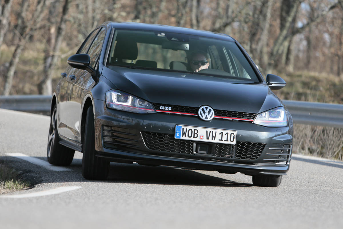 Gti Performance Package >> 2013 Vw Golf Gti Performance Pack Video Review Evo