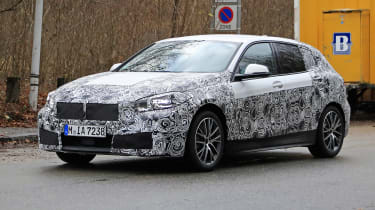 BMW 1-series 2019 - front quarter