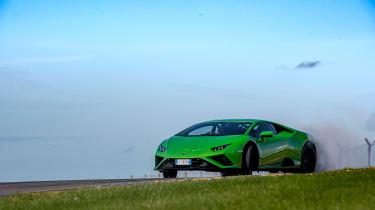 Lamborghini Huracán Evo RWD – slide