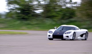 211mph run in a Koenigsegg: VMax 200 video