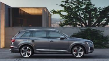 Audi SQ7 TDI - side