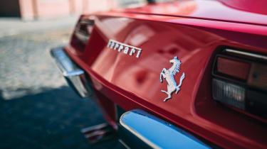 Ferrari 330 GTC Zagato - badge