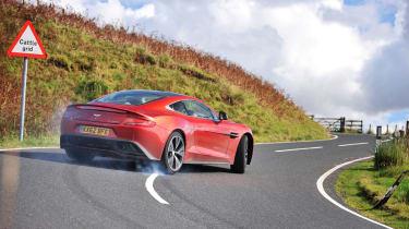 Aston Martin Vanquish (2012)