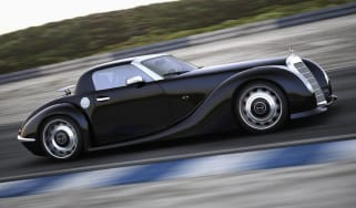 Retro Gullwing America Mercedes SLS AMG Roadster moving on track