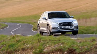 Audi Q5 S Line TFSI - front driving