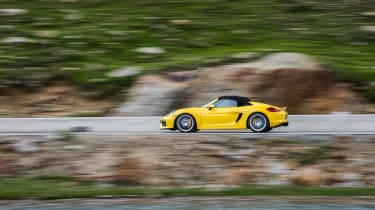 Porsche Boxster Spyder - side