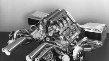 Renault RE40 – Engine