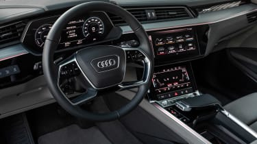 Audi e-tron 2019 interior