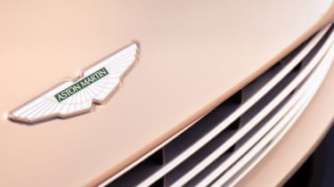 Aston Martin DB11 Volante - badge