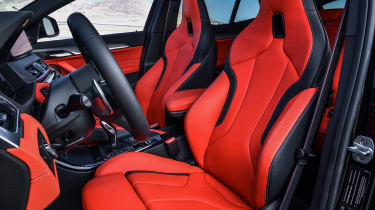 BMW X2 M35i - seats